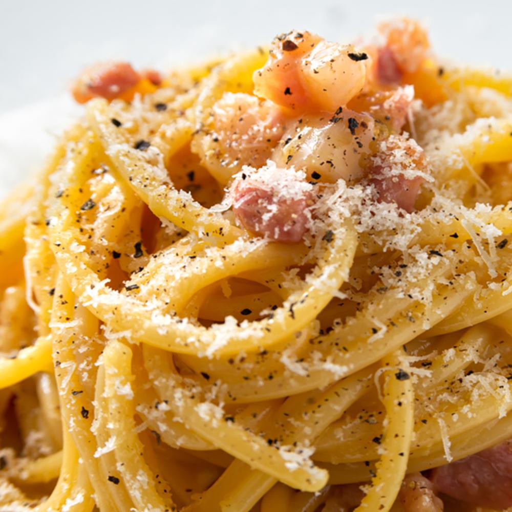 Spaghetti alla gricia (pancetta,pecorino,pepe)