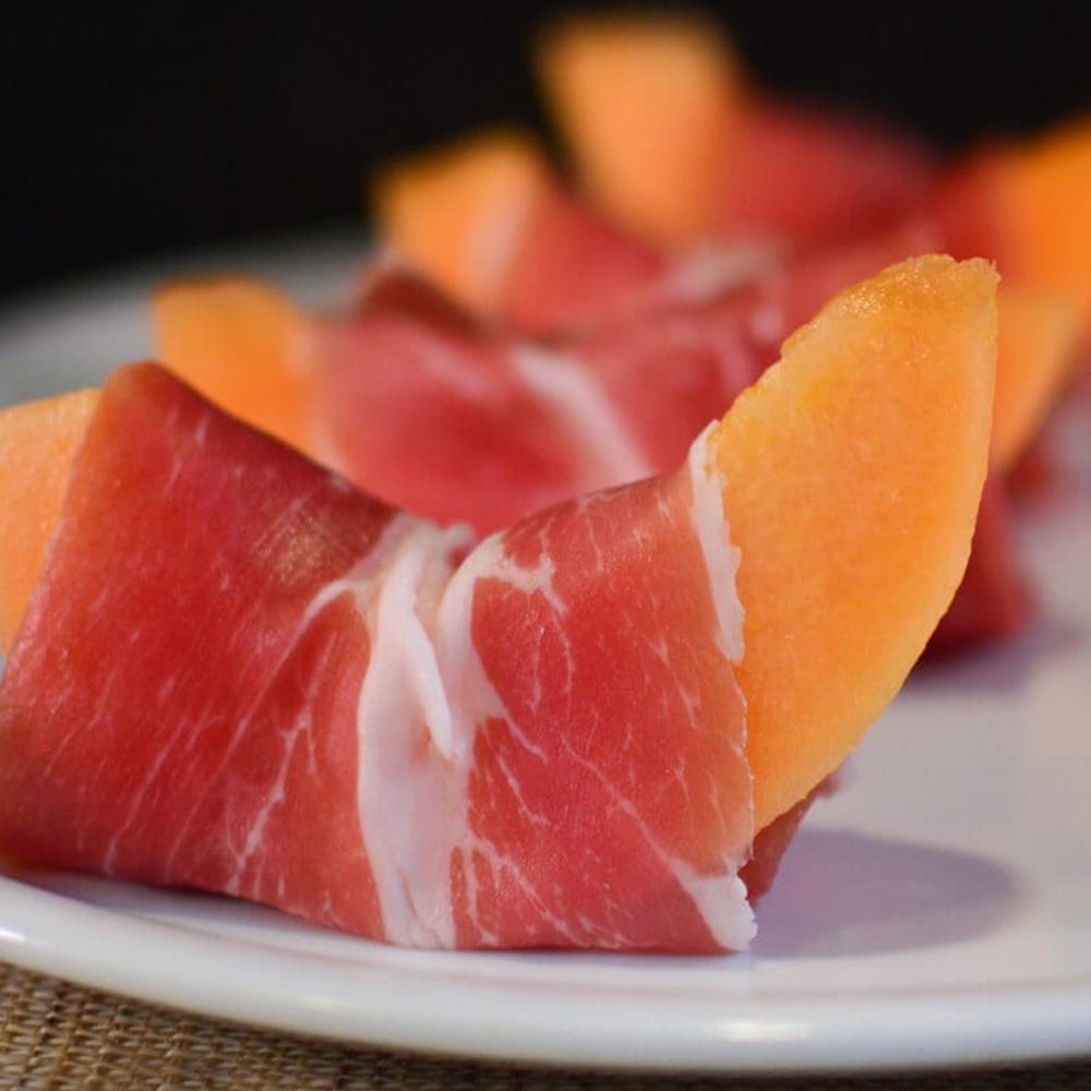 Prosciutto crudo e melone (in stagione)