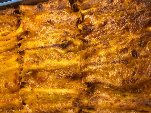 Cannelloni al ripieno di ricotta e spinaci al sugo rosso (chiedere disponibilità)